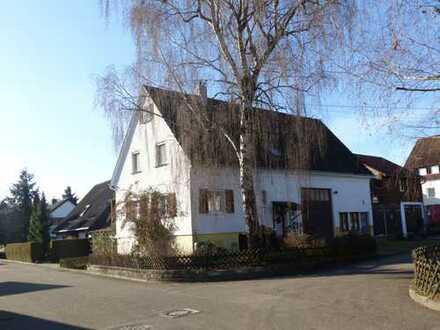 BURGER IMMOBILIEN! Winnenden-Höfen: sonniges Eckgrundstück in ruhiger Lage!