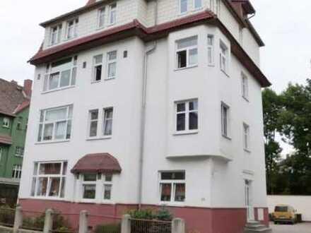 große 4-Raum Wohnung mit Balkon & Stellplatz