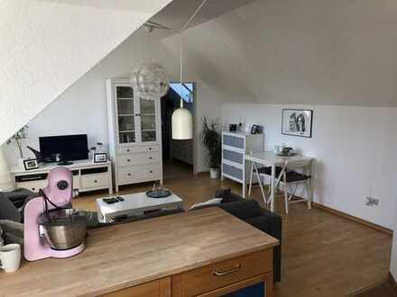 Gepflegte 2-Zimmer-DG-Wohnung mit EBK und gehobener Ausstattung in Barterode