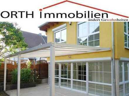 Renoviertes EFH mit Einliegerwohnung - 6 Zimmer mit 2 Wintergärten, Terrasse und Garten