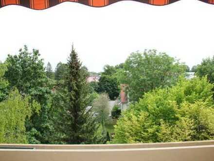 Gröbenzell: Schöne teilmöblierte 1-Zimmer-Wohnung im 4. OG mit Blick ins Grüne befristet auf 2 Jahre