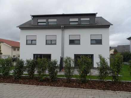 Neuwertige Doppelhaushälfte mit vier Zimmern und Einbauküchee in Bingen am Rhein, Bingen-Dromersheim