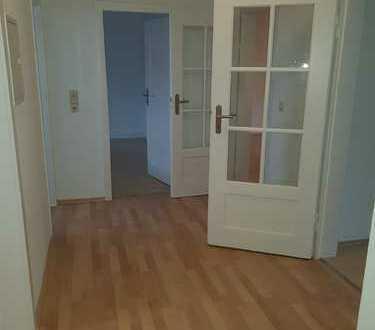 Teilmöblierte schöne 3-Zimmer-Wohnung in Karlsruhe Weststadt