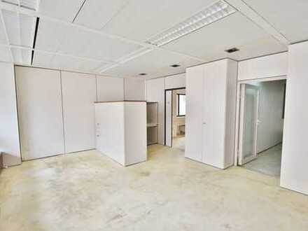 Attraktive Gewerberäume als Büro oder Praxis zu nutzen, mit zusätzlichen Archivräumen, in top Lage!