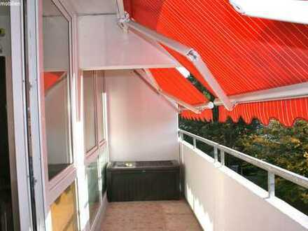 Schön geschnittene 3- Zimmer Wohnung mit extra großem Balkon & Wintergarten