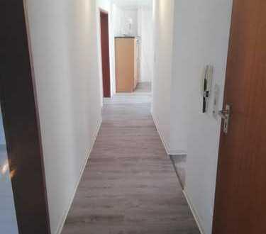2 - WG Zimmer ab SOFORT frei - Altbau, Zentrum nah