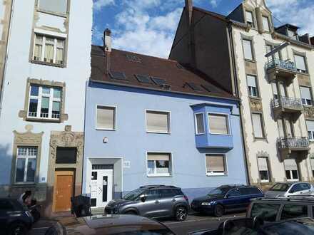 3 Wohnungen im Herzen von Karlsruhe mit Ausbauoption