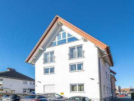 Bruchköbel: Wunderschöne 4 Zimmer-Maisonette-Wohnung mit Süd-West-Terrasse in kleiner Wohneinheit