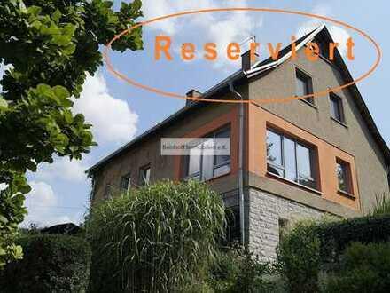 *Reserviert!* Einfamilienhaus in idyllischer Lage mit reizvollem Blick auf die Weinberghänge!