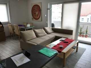 Zolling: schöne helle große 2 Zimmer-Wohnung