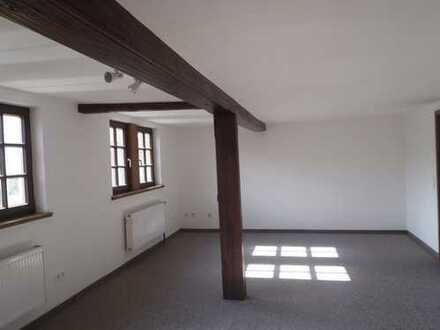 Charmante 2-Zimmer-DG-Wohnung mit Einbauküche in WN-Bittenfeld