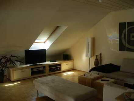 Helle 2,5 Zimmer Maisonette Wohnung in Großkrotzenburg
