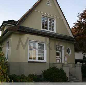 +++romantisches Lotsenhaus mit Altbauflair in zentraler Lage+++