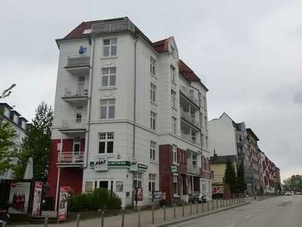Sanierte - 2 Zi.-Altbauwhg. in Eppendorf