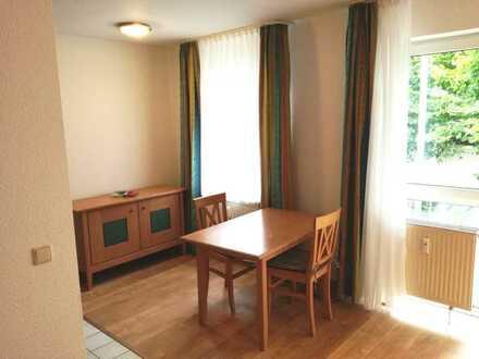 Exklusive, vollständig renovierte 1,5-Zimmer-Wohnung mit Balkon und Einbauküche in Nürnberg