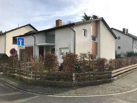 Schönes freistehendes Einfamilienhaus in ruhiger Wohngegend mit Garten, in Sandhausen