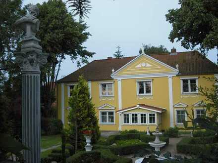 sanierte Wohnung mit Garten und Kamin im klassizistischem Landgut (derzeit in Sanierung)