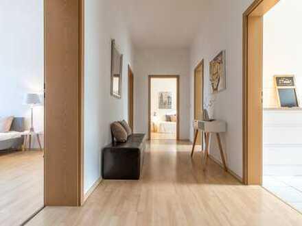 Inspiration pur - attraktive helle 3 Zimmer mit Balkon und Blick ins Grüne!