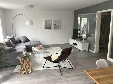 HD-Kirchheim-West: renoviertes 5 ZKB RMH mit Einbauküche, 2 Bäder, 2 Dachterrassen und Carport