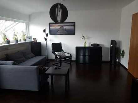 Helle 3,5 Zimmer Wohnung in Ludwigsburg mit BLK, EBK und Garage