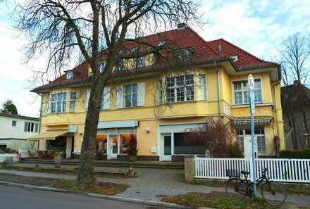 Selten! Villa mit 8 Wohn- u. Gewerbeeinheiten, 2 freie Wohnungen (Bel Etage ca.167m²) Berlin-Dahlem