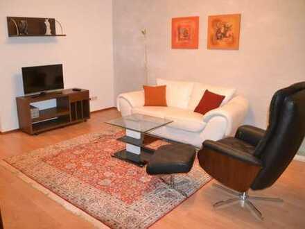Gemütliche, komplett ausgestattete 2 Zi.-DG-Wohnung, mit Balkon/TG-Stellplatz