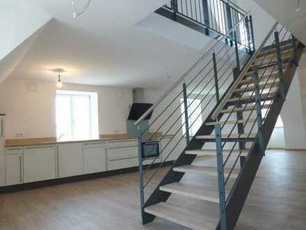 Hochwertige 2,5-Zimmer-Maisonette-Wohnung mit offenem Wohnbereich! *ab 01.03.2020*