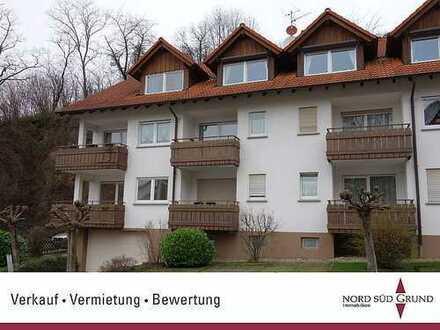 3-Zimmer-Wohnung mit 79 m² und sonnigem Süd-Balkon. Außenstellplatz. Bühl-Neusatz.
