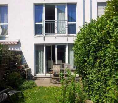 ***EIN TRAUM-REIHENHAUS-Niedrigenergiehaus mit schöner Dachterrasse in beliebter Wohnlage!***