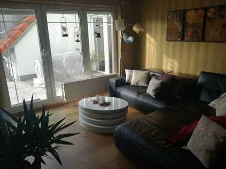 Schön geschnittene helle 3,5-Zimmer-DG-Wohnung mit Balkon und EBK in Amberg