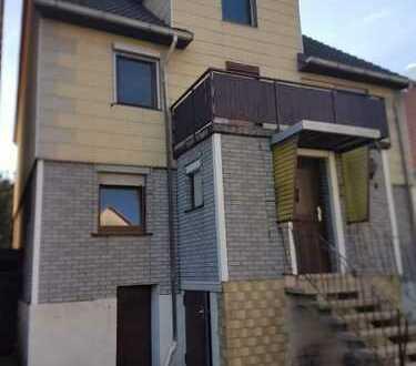 Sanierungsbedürftiges Einfamilienhaus mit Ausbaureserve in Guxhagen-OT