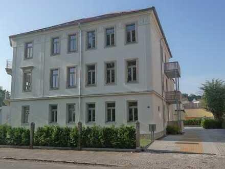 Exklusive 4-Zimmer-Wohnung mit großem Balkon, Top-Ausstattung in ruhiger Lage mit Parkblick !