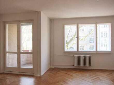 Helle 2-Zimmer-Wohnung mit Balkon und EBK in Friedenau (Schöneberg), Berlin