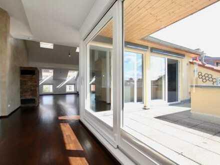 Neumoderne Penthouse-Wohnung mit EBK & mehreren Terrassen