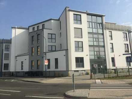 Erstbezug: Penthouse 3,5-Zi. mit Einbauküche, 3 Terrassen in Offenbach / Bürgel