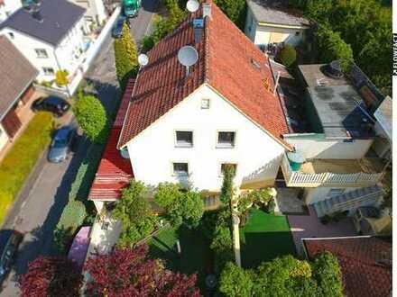 Haus mit mediterranem Flair und phantastischem Garten
