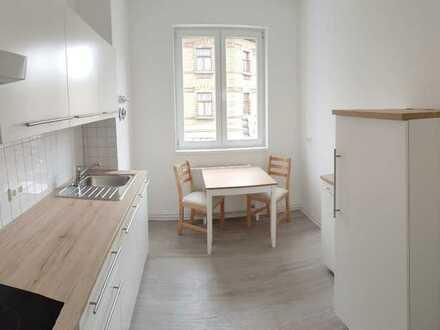 Sanierte 3-Raumwohnung mit Einbauküche und großem Wohnzimmer gefällig? - jetzt anrufen!!