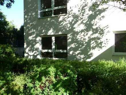 ...am Rande von Nürnberg St.Jobst: herrliches Wohnen...im Grünen und doch nahe an der Stadt