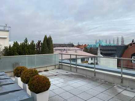 Sonnige Dachterrassenwohnung mit EBK in Milbertshofen, Nähe BMW