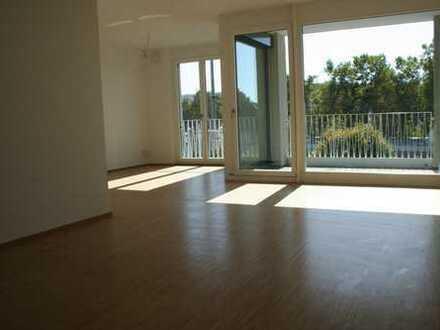 Erstbezug: helle, moderne 3-Zimmer-Wohnung, zentral in Tübingen, mit Balkon und Loggia, Küche