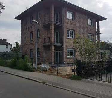 geräumige DG WE mit zwei Balkonen