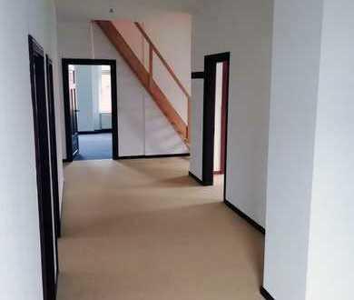 Lichtdurchflutete DG-Wohnung im Zentrum von Detmold