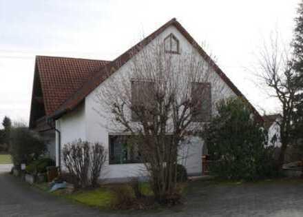 Große, modernisierte 5-Zimmer-Wohnung mit Garten, Balkon und EBK in Dasing