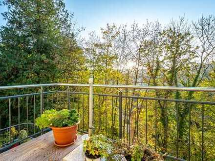 Bad Soden-Salmünster: Schöne 2 Zimmer-Wohnung mit S/W-Balkon & wundervollem Ausblick in ruhiger Lage