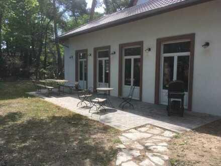 Studenten-WG: Mitbewohner zum Sommersemester in TOP renovierter Altbauvilla gesucht!