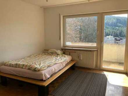 Möbliertes 27qm Zimmer in netter 3er WG, zentral Furtwangen