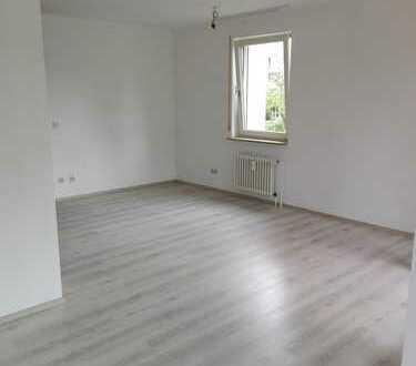 Helle 1 - 1,5 Zimmer-Wohnung