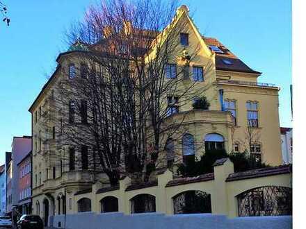 Zentrale Lade/Büro oder Arteliefläche im wurderschönen Stadtpalais