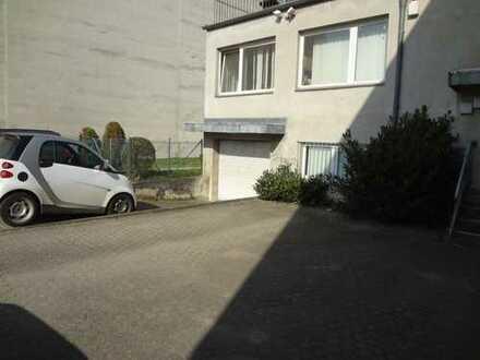 320 qm Gewerbefläche/Einzelhandel/Lager mit Büro incl. Parkflächen in Bergheim City