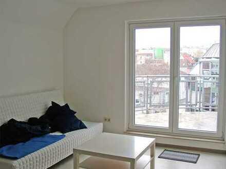 POCHERT IMMOBILIEN - Sehr schönes Apartment mit sonniger Dachterrasse und Blick über die City